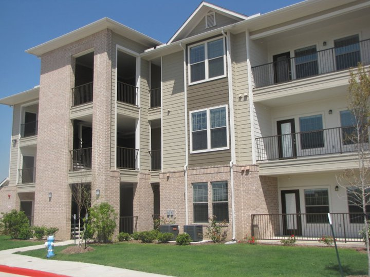 Exterior at Listing #153050