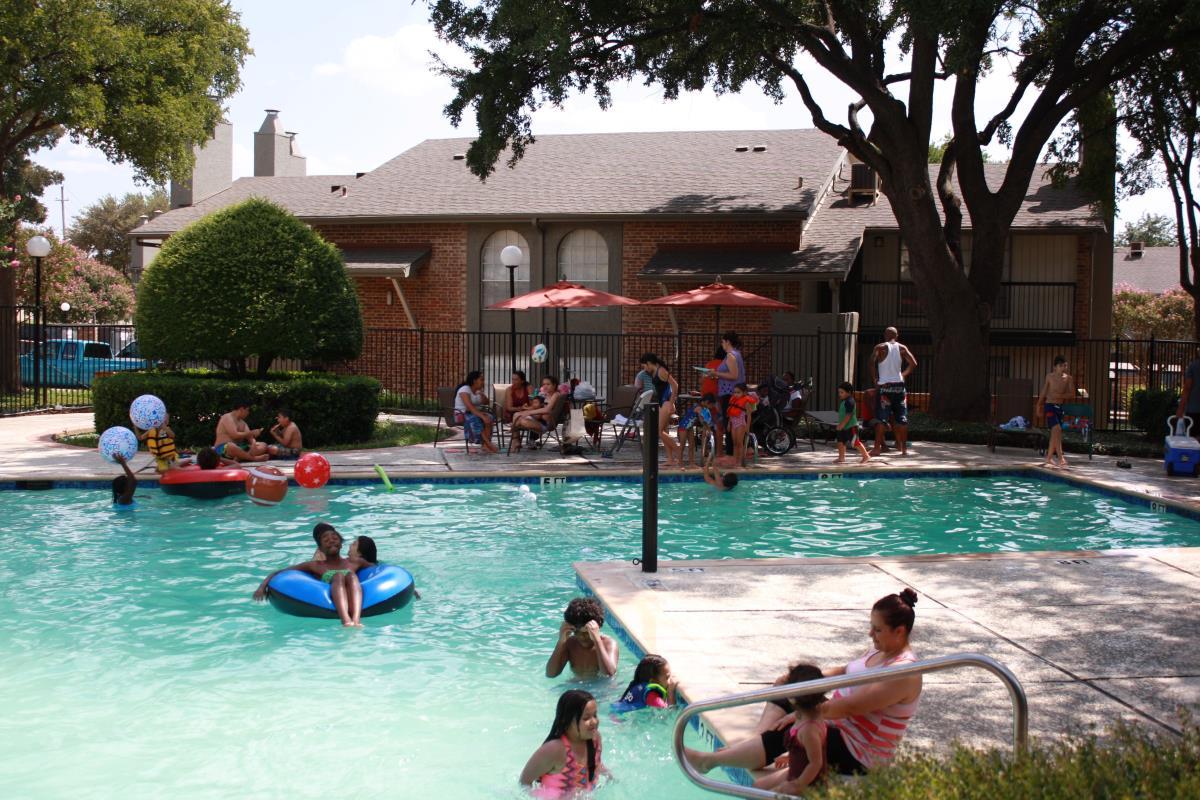 Pool at Listing #136782