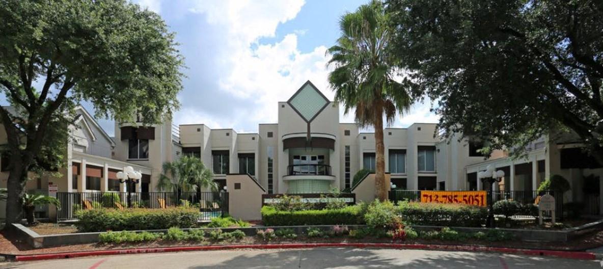 Coral Club Apartments