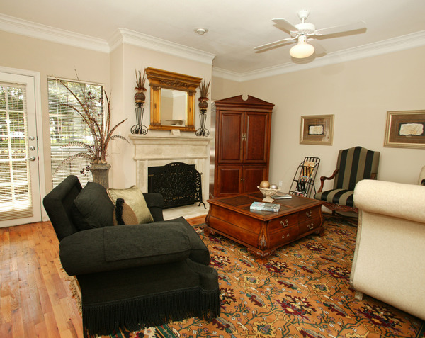 Living at Listing #137799