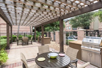 Lounge at Listing #139112