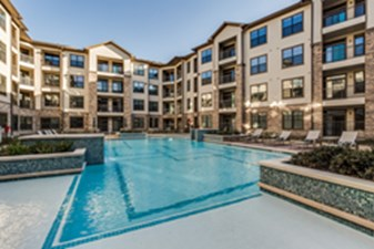 Pool at Listing #287290