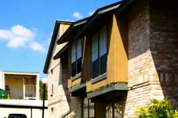 Exterior at Listing #141281