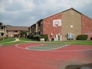 Basketball Court at Listing #140724