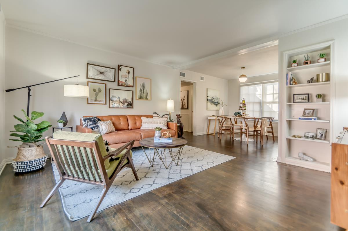 Living at Listing #136083