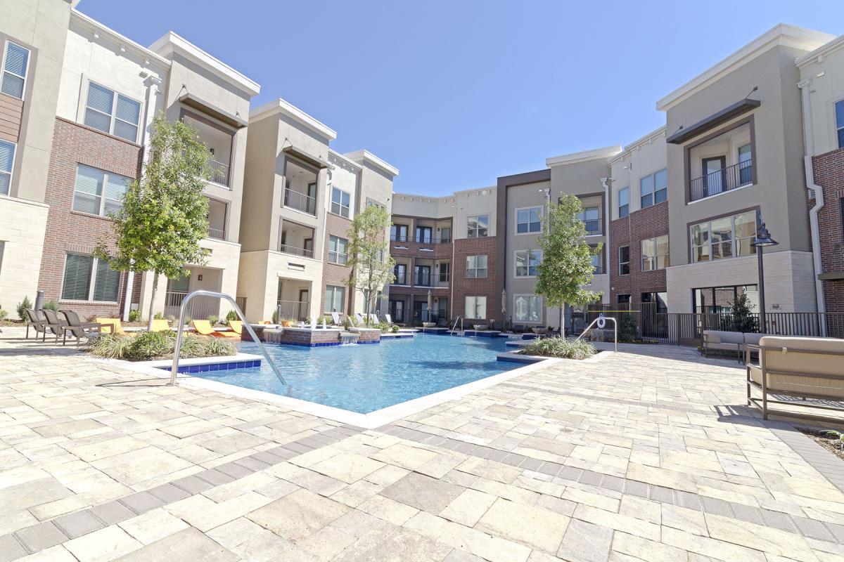 Park at Gateway Apartments Plano, TX