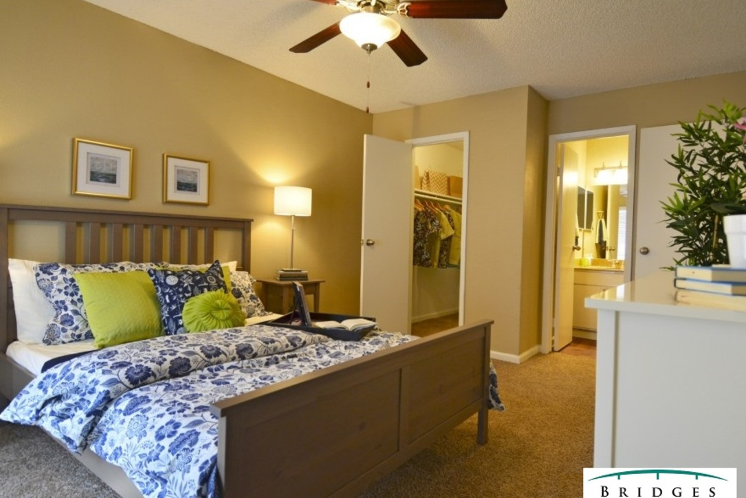 Bedroom at Listing #138624