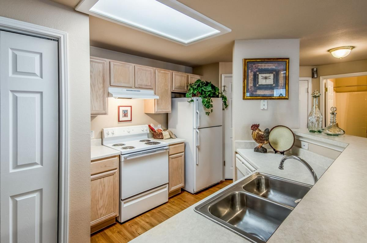 Kitchen at Listing #141425