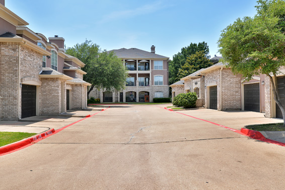 Exterior at Listing #137585
