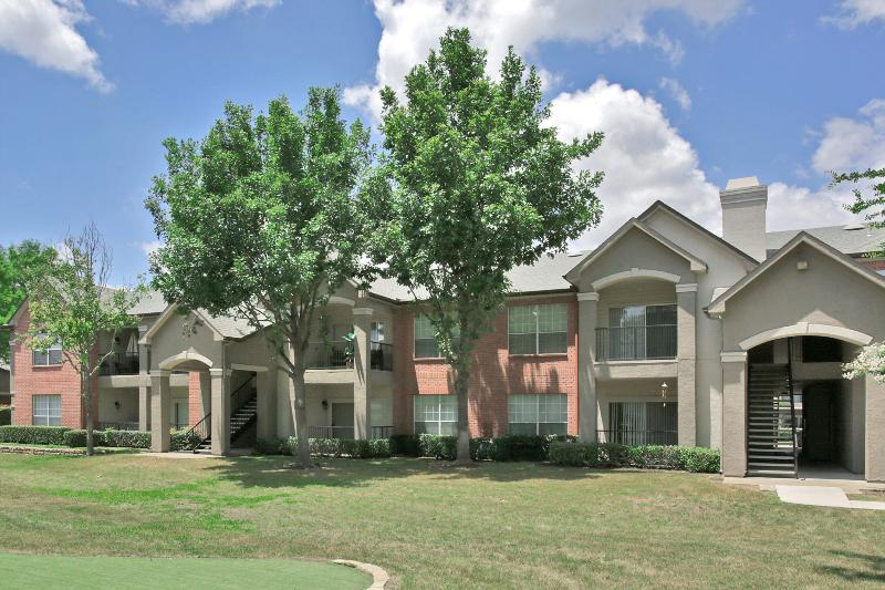 Carrington Park Apartments Plano TX
