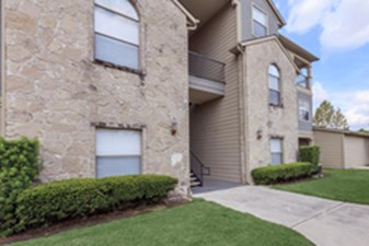 Exterior at Listing #140733