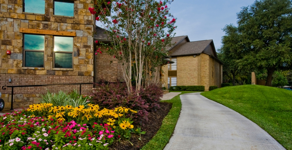 Exterior at Listing #135988