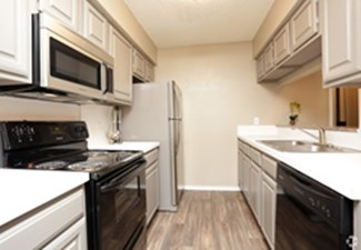 Kitchen at Listing #136547