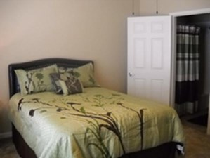 Bedroom at Listing #228181