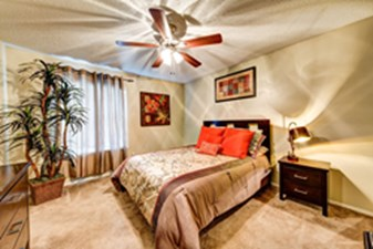 Bedroom at Listing #140998