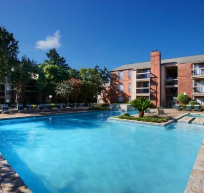 Pool at Listing #140522