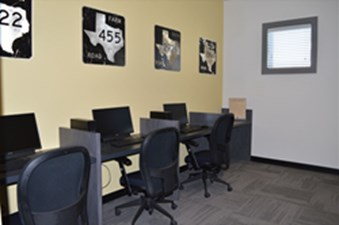 Business Center at Listing #261267