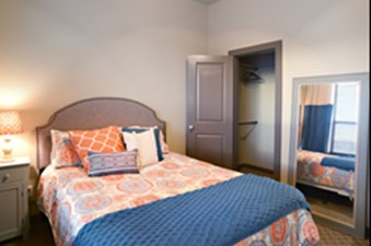 Bedroom at Listing #259799
