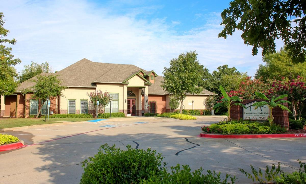 Exterior at Listing #144773