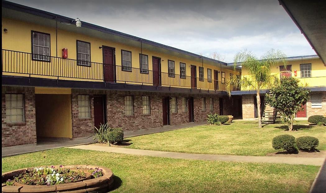 Las Brisas Apartments Angleton TX