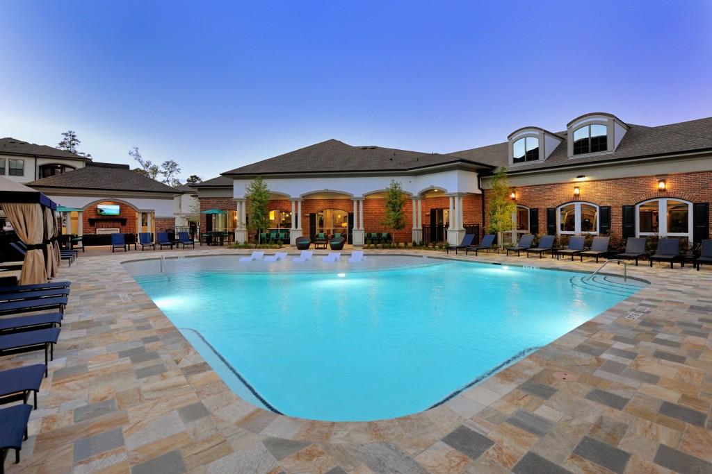 Pool at Listing #268377