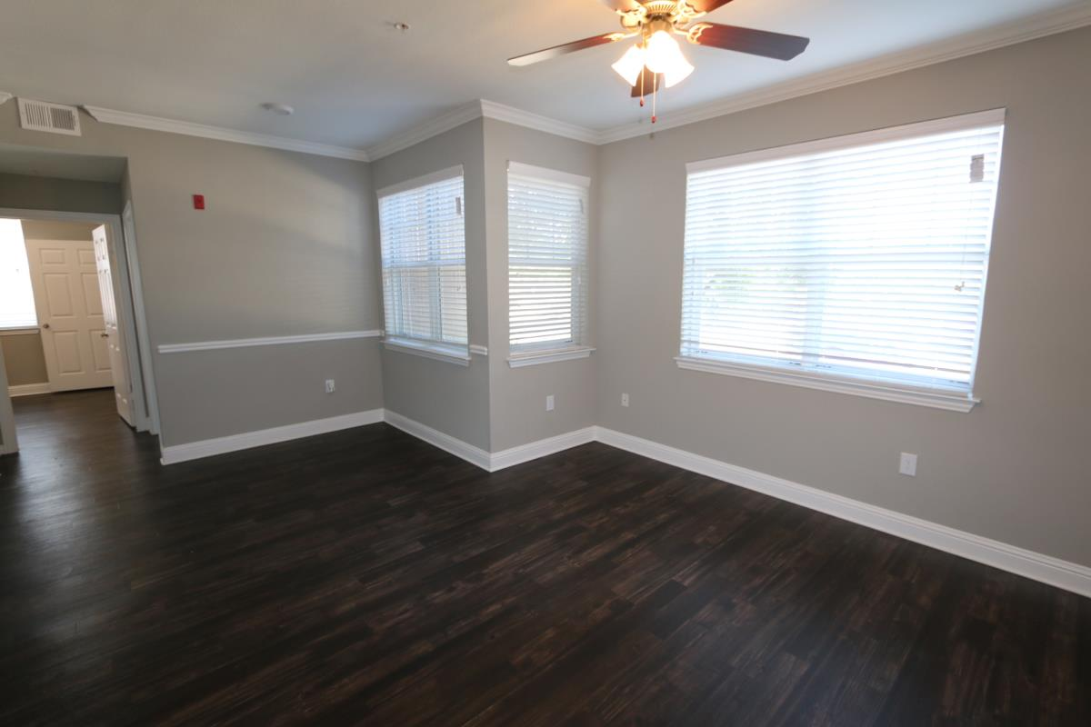 Living at Listing #137944