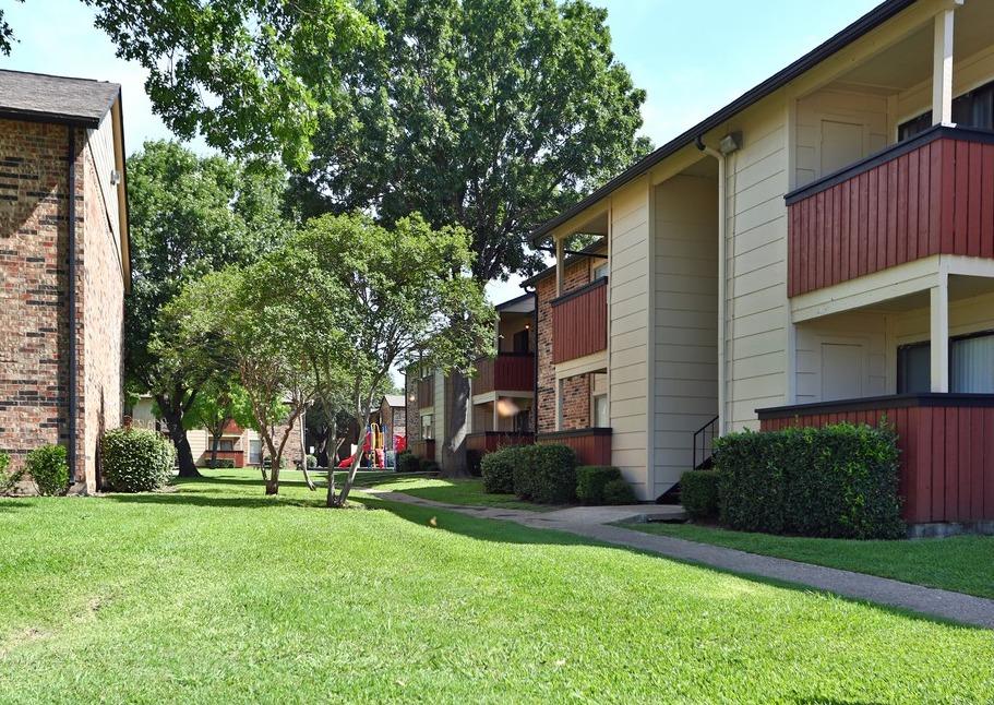 Park at Wintergreen Apartments Desoto, TX