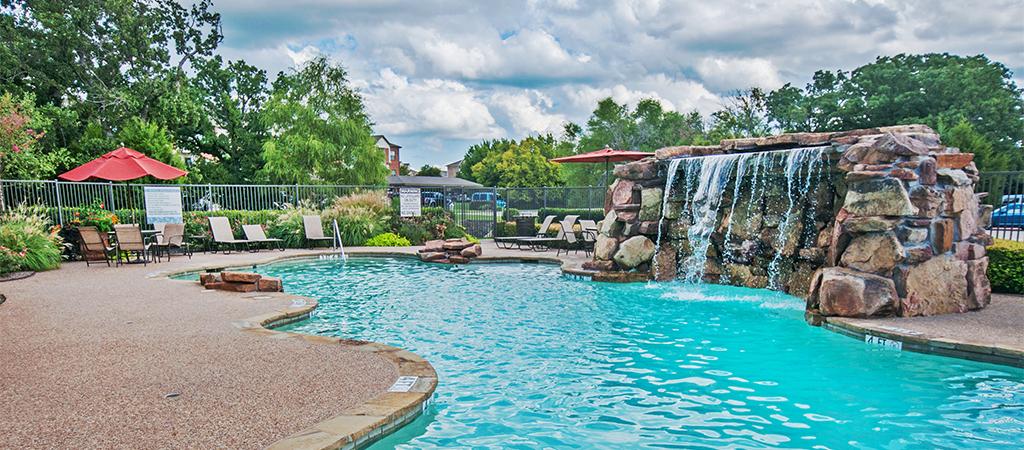 Pool at Listing #144701
