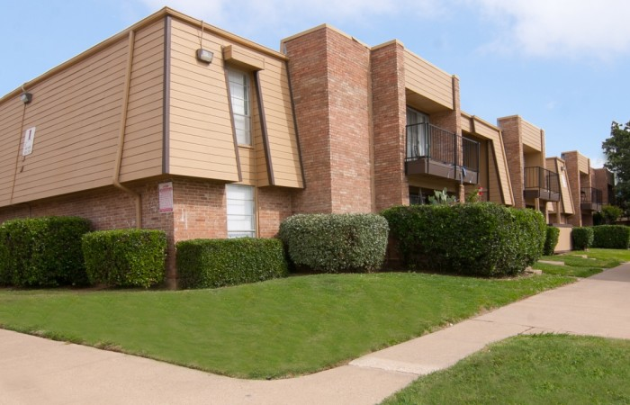 Bay Shore Village Apartments Lewisville TX