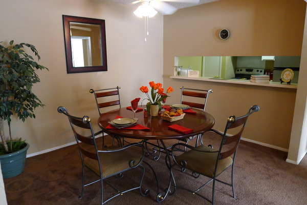 Dining/Kitchen at Listing #136778