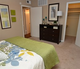 Bedroom at Listing #138947