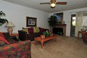 Living Area at Listing #141312