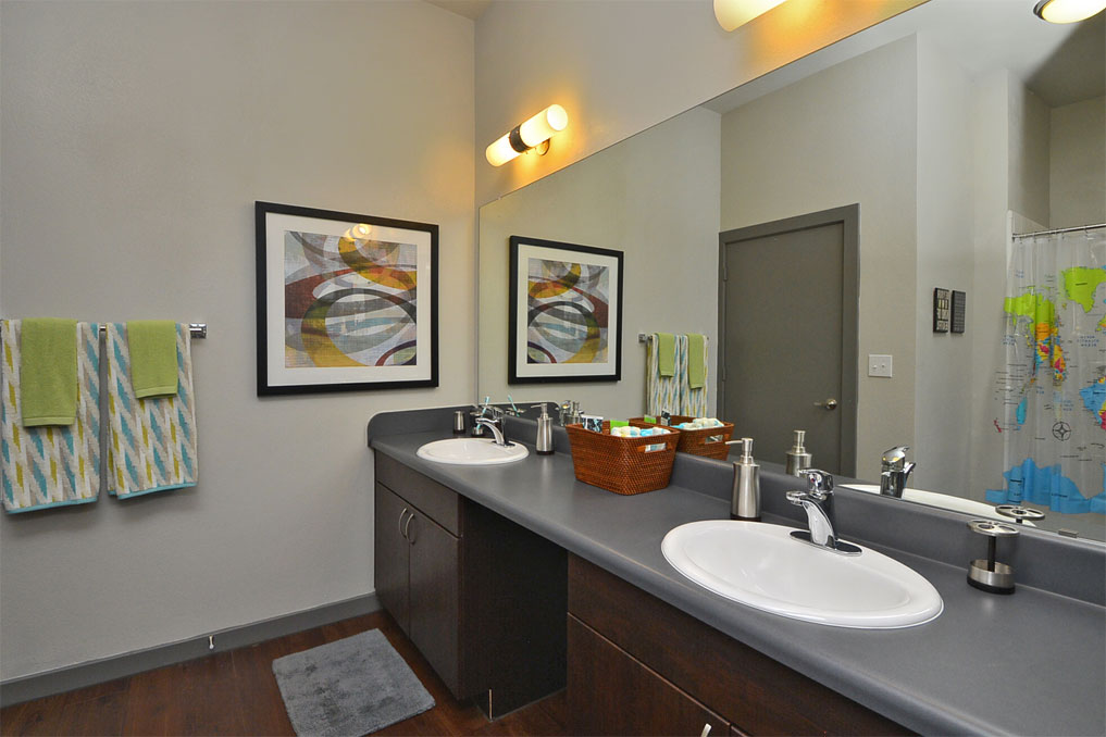 Bathroom at Listing #153290