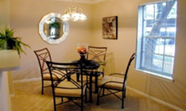 Dining at Listing #138943