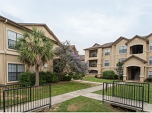 Exterior at Listing #141462