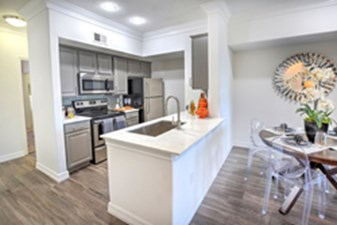 Dining/Kitchen at Listing #140693
