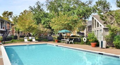 Pool at Listing #138384