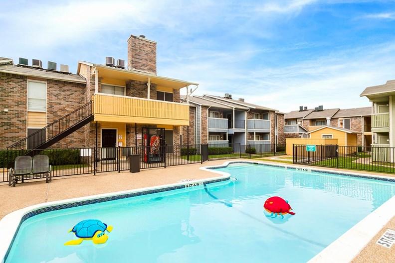 Bella Vista Creek Apartments