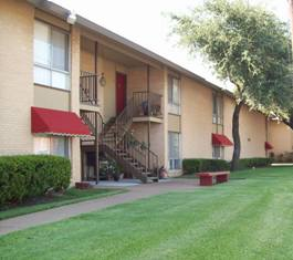 Carrier Arms Apartments Grand Prairie TX
