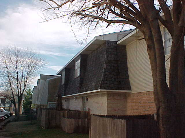 Exterior 3 at Listing #135790