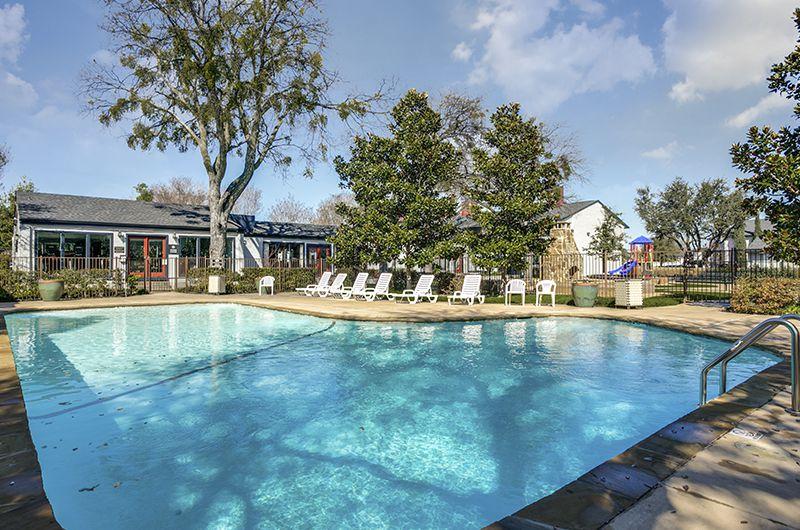 Pool at Listing #136315