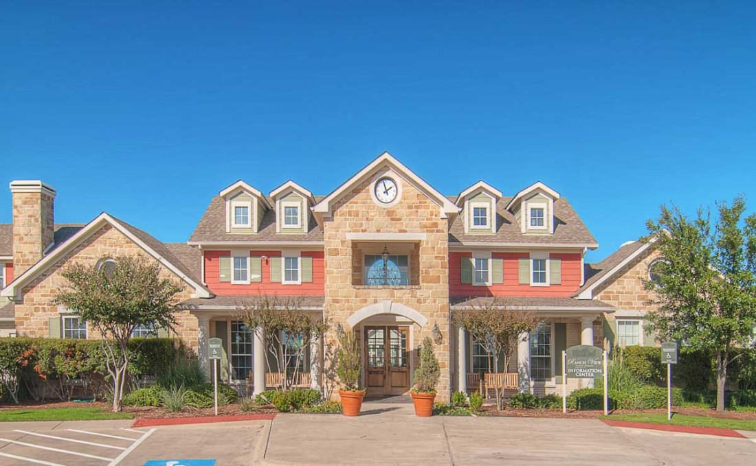 Ranchview Townhomes Apartments Greenville TX