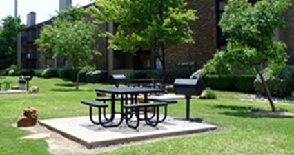 Picnic Area at Listing #136102