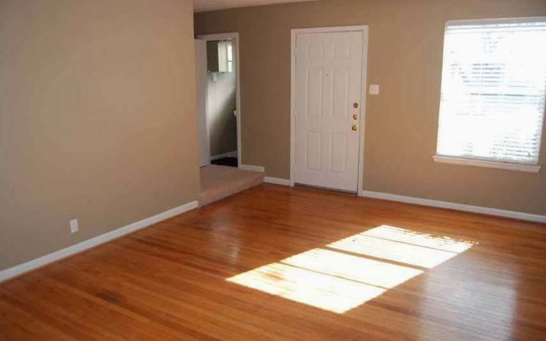 Living at Listing #136674