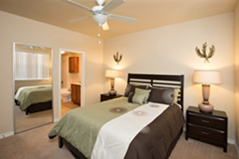 Bedroom at Listing #154074