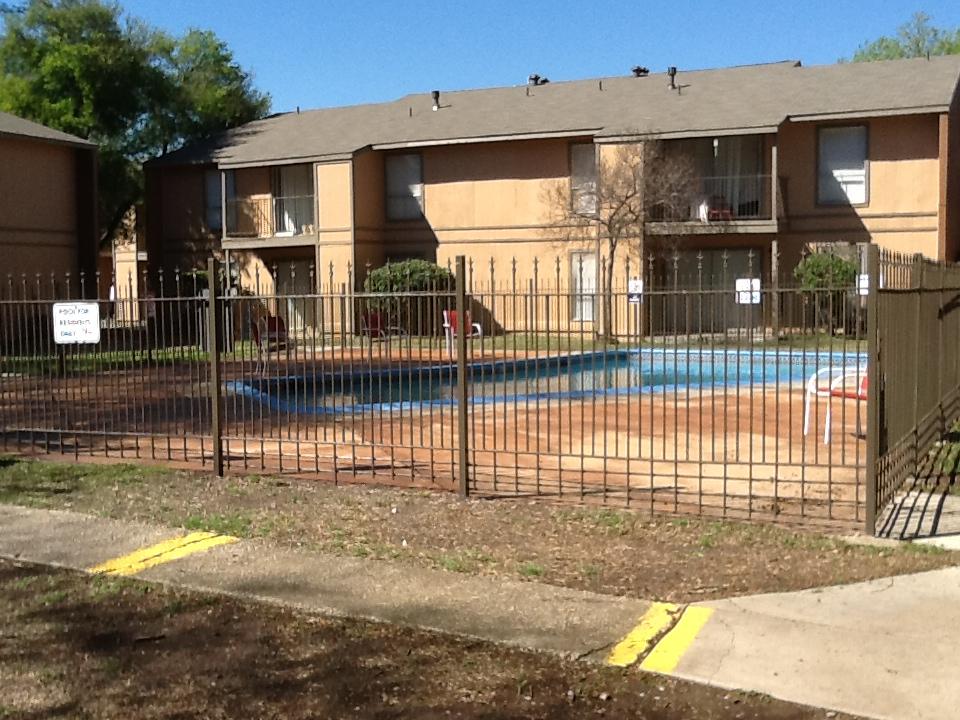 Pool at Listing #141386