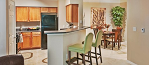 Dining at Listing #147428