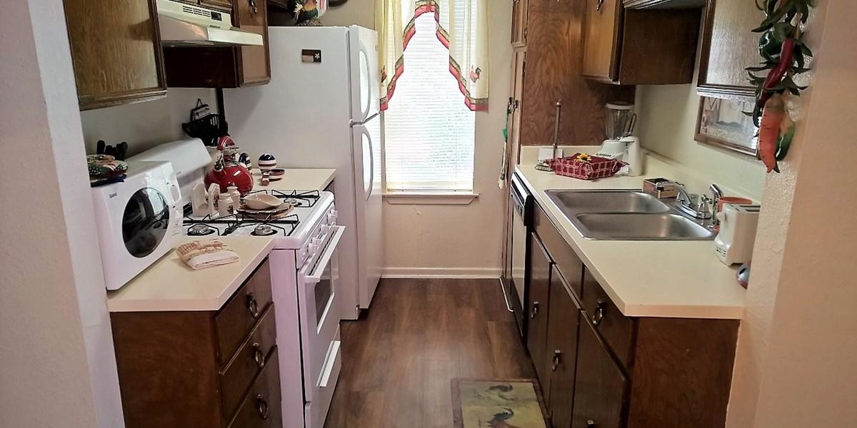 Kitchen at Listing #141182