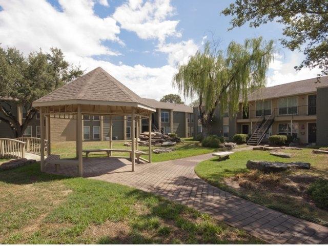 Bridgewater Apartments Tomball TX