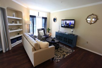 Living at Listing #140801